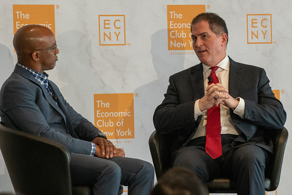 Big Data「CEO Of Dell Computers Michael Dell Speaks At The Economic Club Of New York」:写真・画像(9)[壁紙.com]