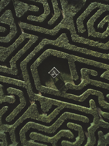 Lost「Drone shot of a maze, Netherlands」:スマホ壁紙(18)