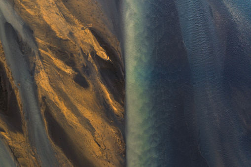 Volcanic Landscape「Drone shot, river and shore, Iceland」:スマホ壁紙(19)