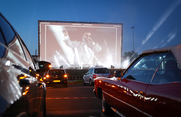 Movie Theater「SIDO - Live! At Drive-In Cinema During The Coronavirus Crisis」:写真・画像(17)[壁紙.com]