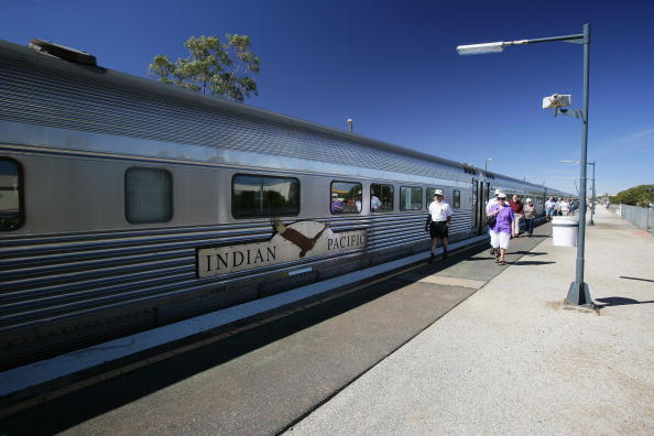Transportation「Indian Pacific Outback Christmas 2007 With David Campbell」:写真・画像(9)[壁紙.com]