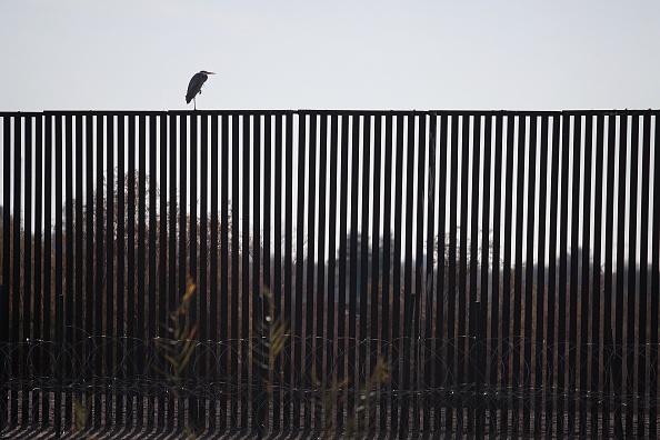 International Border Barrier「Border Wall Funding The Focus Of Partial Government Shutdown」:写真・画像(4)[壁紙.com]