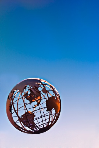 Latitude「Terrestrial globe on blue background」:スマホ壁紙(18)