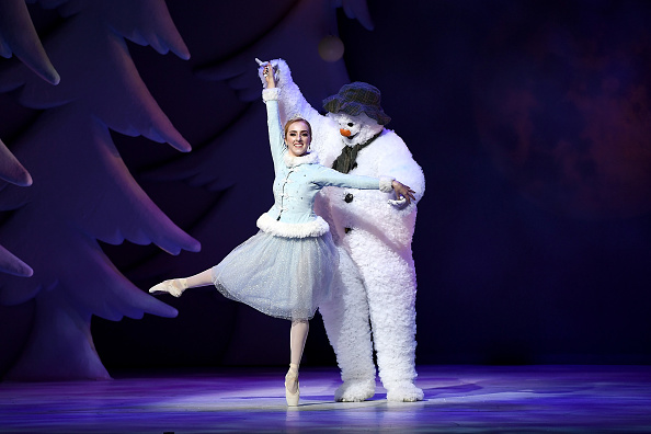 雪だるま「'The Snowman' Returns To The Peacock Theatre For The Christmas Period」:写真・画像(19)[壁紙.com]