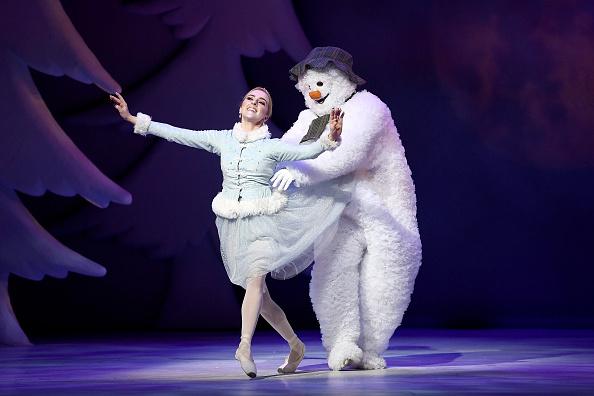 雪だるま「'The Snowman' Returns To The Peacock Theatre For The Christmas Period」:写真・画像(9)[壁紙.com]