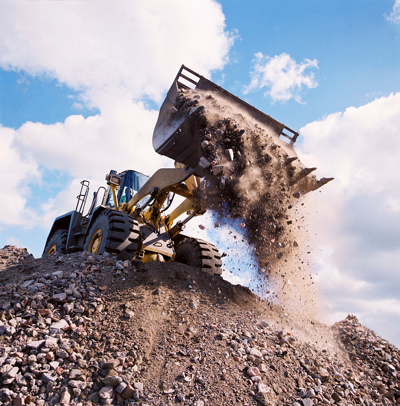 Risk「Wheeled loader on brownfield site.」:写真・画像(16)[壁紙.com]