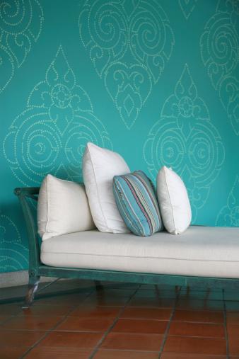 Chaise Longue「Chaise With Pillows」:スマホ壁紙(10)