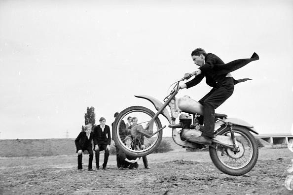 Schoolboy「Eton Bikers」:写真・画像(6)[壁紙.com]