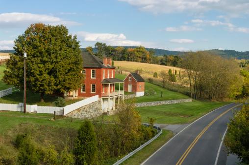 Battle「Farm House Along Scenic Country Road, Antietam Battlefield, Maryland」:スマホ壁紙(3)