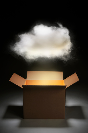 Cloud Computing「The cloud network with cardboard box」:スマホ壁紙(2)