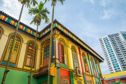 St「Colorful building on Singapore city street, Singapore, Republic of Singapore」:スマホ壁紙(17)