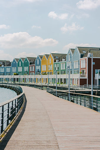 Amsterdam「Colorful buildings near the lake」:スマホ壁紙(3)