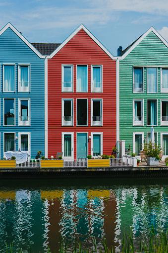 Amsterdam「Colorful buildings near the lake」:スマホ壁紙(14)
