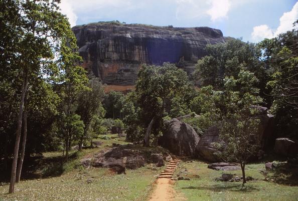 Sri Lanka「Sigiriya Gardens Below Rock Fortress」:写真・画像(10)[壁紙.com]