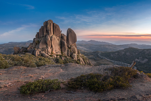 Rock Formation「Cathedral rock at sunrise, Hume, Victoria, Australia」:スマホ壁紙(7)