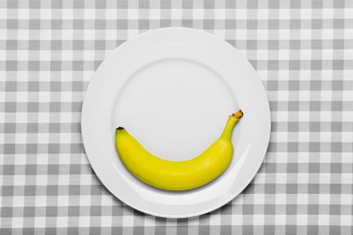 ギンガムチェック「バナナのプレート」:スマホ壁紙(13)