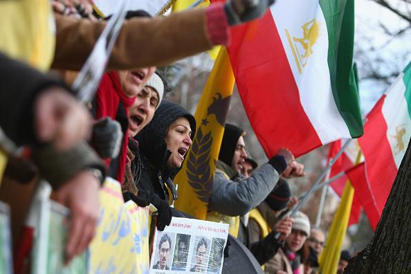 Iranian Culture「Expatriate Iranians Protest Tehran Crackdown」:写真・画像(2)[壁紙.com]