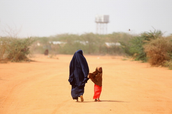 Waiting「Displaced People At Dadaab Refugee Camp As Severe Drought Continues To Ravage East Africa」:写真・画像(18)[壁紙.com]