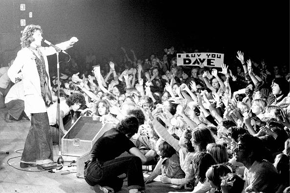 Human Arm「David Essex On Stage」:写真・画像(2)[壁紙.com]