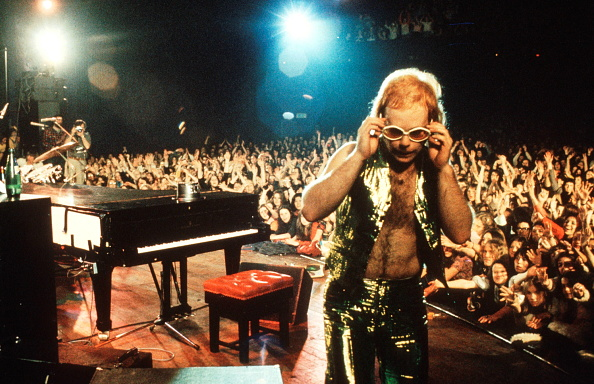 Performance「Elton John On Stage」:写真・画像(11)[壁紙.com]