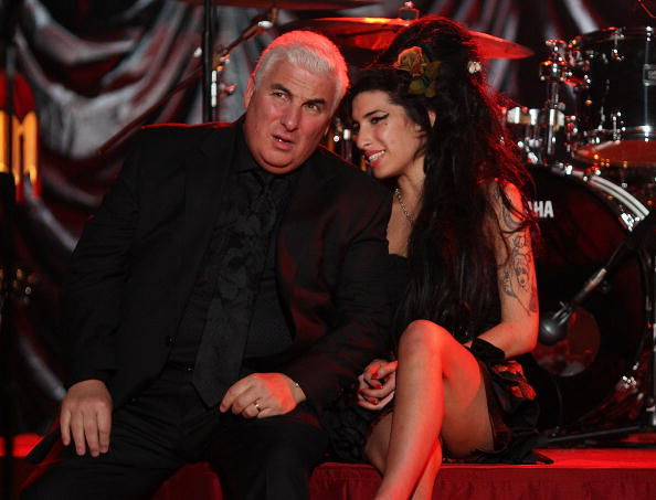 エイミー ワインハウス「Amy Winehouse Performs For Grammy's Via Video Link」:写真・画像(8)[壁紙.com]
