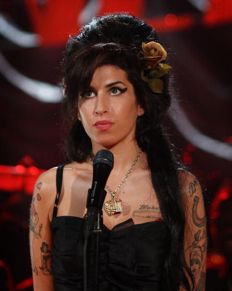 エイミー ワインハウス「Amy Winehouse Performs For Grammy's Via Video Link」:写真・画像(18)[壁紙.com]