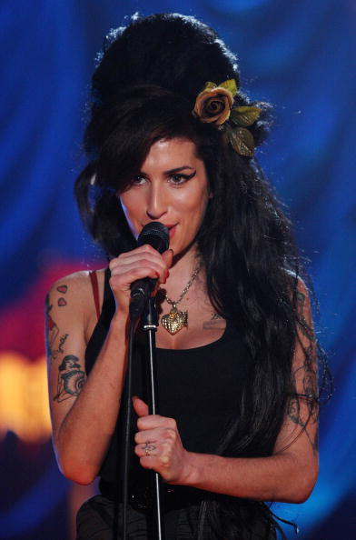 Amy Winehouse「Amy Winehouse Performs For Grammy's Via Video Link」:写真・画像(3)[壁紙.com]