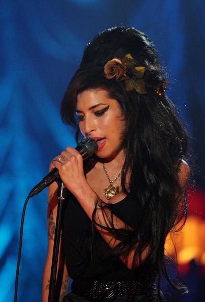 Amy Winehouse「Amy Winehouse Performs For Grammy's Via Video Link」:写真・画像(15)[壁紙.com]