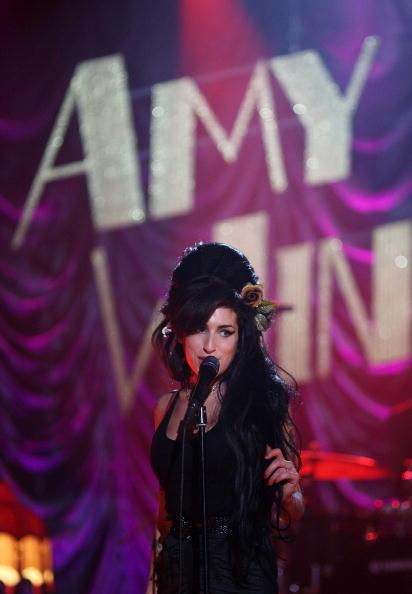 エイミー ワインハウス「Amy Winehouse Performs For Grammy's Via Video Link」:写真・画像(19)[壁紙.com]