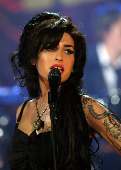 エイミー ワインハウス「Amy Winehouse Performs For Grammy's Via Video Link」:写真・画像(5)[壁紙.com]
