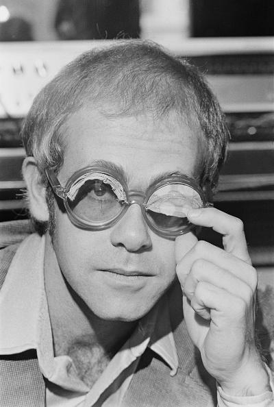 Eyeglasses「Elton's Novelty Wink」:写真・画像(18)[壁紙.com]