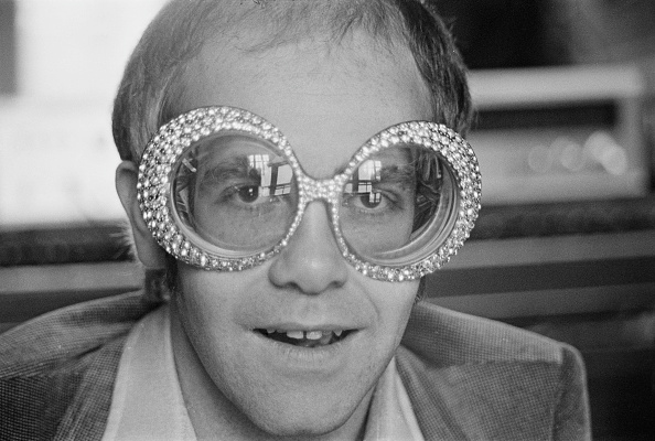 Individuality「Elton John」:写真・画像(2)[壁紙.com]