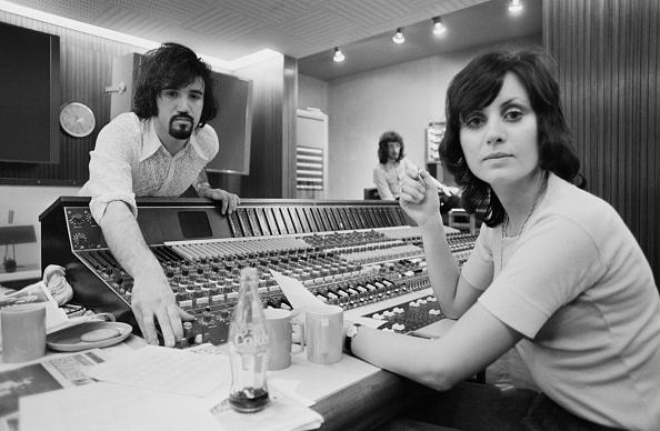 Songwriter「Sylvia McNeill And Tony Macaulay」:写真・画像(13)[壁紙.com]