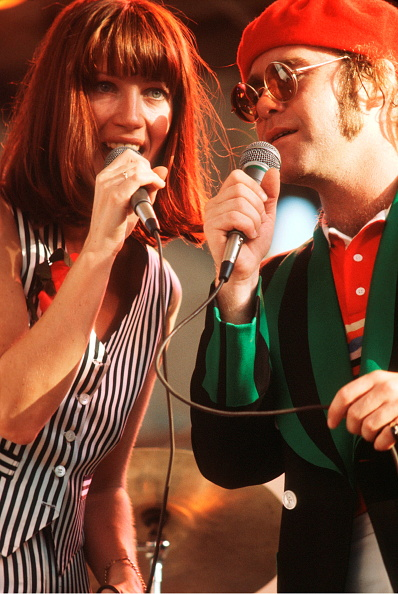 Beret「Kiki Dee And Elton John On Stage」:写真・画像(19)[壁紙.com]
