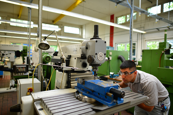 Occupation「Growing Numbers Of Refugees Find Employment」:写真・画像(5)[壁紙.com]