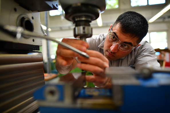 Employment And Labor「Growing Numbers Of Refugees Find Employment」:写真・画像(5)[壁紙.com]