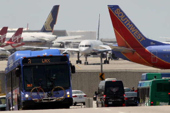 LAX Airport「Flight Delays Feared As Sequester Forces Air Traffic Controller Furloughs」:写真・画像(3)[壁紙.com]