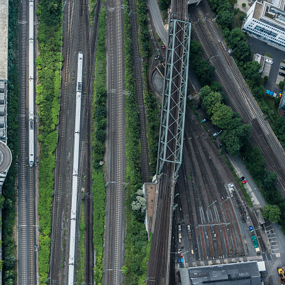Passenger Train「Arial View of railway tracks at Cologne」:スマホ壁紙(8)