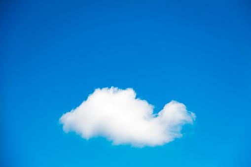 Softness「Single cloud in blue sky」:スマホ壁紙(1)