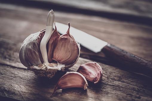 Garlic Clove「Garlic bulb and cloves」:スマホ壁紙(11)