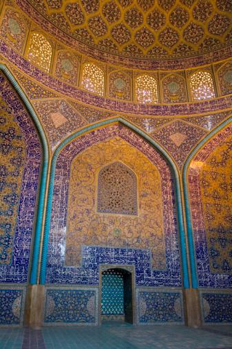 Iranian Culture「Iran, Esfahan, Sheikh Lotfollah Mosque interior」:スマホ壁紙(8)