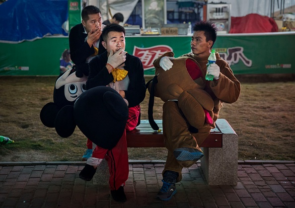 ミッキーマウス「Beer Enthusiasts Gather For China's Largest Beer Festival」:写真・画像(15)[壁紙.com]