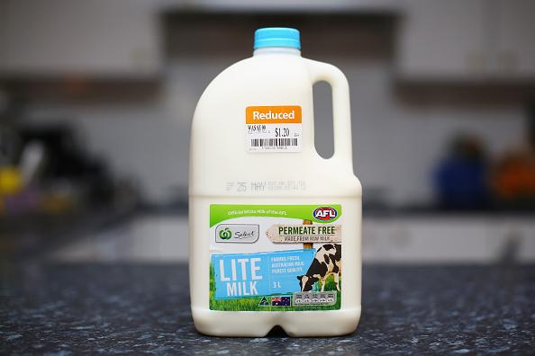 Milk「Branded Milk Stock Low As Consumers Avoid Home Brands」:写真・画像(8)[壁紙.com]