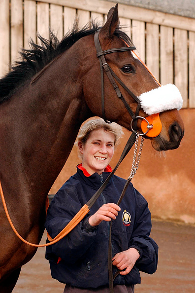 Barn「Philip Hobbs Racehorse trainer at the stables in Somerset with Flagship Uberalles 2002」:写真・画像(12)[壁紙.com]