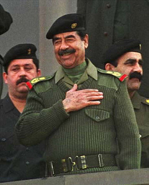 Saddam Hussein「Saddam Hussein Captured By Coalition Forces In Tikrit  」:写真・画像(9)[壁紙.com]
