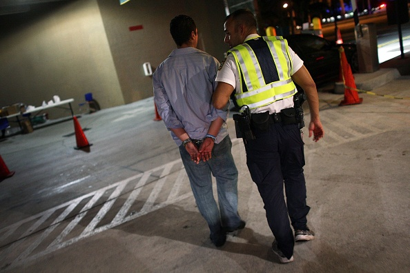 税関「Miami Police Set Up DUI Checkpoint For Holiday Drivers」:写真・画像(18)[壁紙.com]