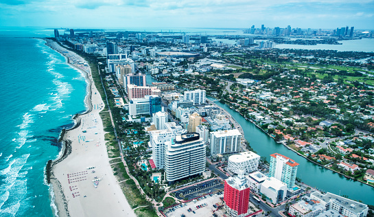 Gulf Coast States「Miami Beach and Downtown Miami as seen from aircraft, Florida」:スマホ壁紙(19)