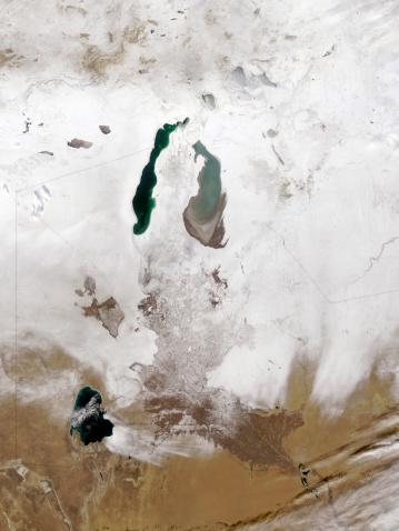 アラル海「December 29, 2008 - Snow around the Aral Sea」:スマホ壁紙(3)