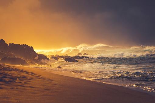 Spraying「sunset beach at storm, maui island, hawaii islands」:スマホ壁紙(13)