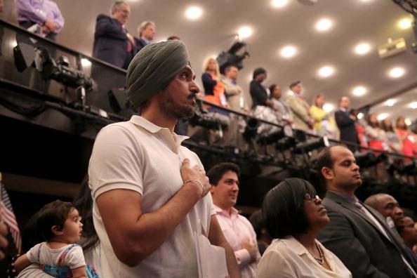 アメリカ合州国「Eighty Immigrants From 47 Countries Become Americans During Naturalization Ceremony」:写真・画像(13)[壁紙.com]